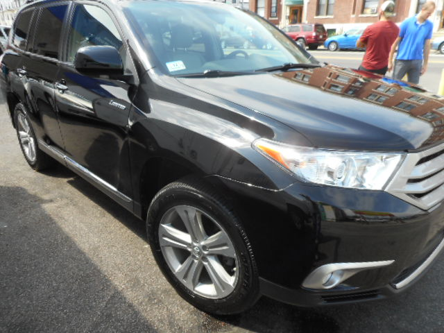 2012 Toyota Highlander Restored After Front Right End Damage - Boston, MA
