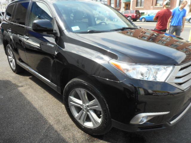 2012 Toyota Highlander Restored After Front Right End Damage - Boston, MA