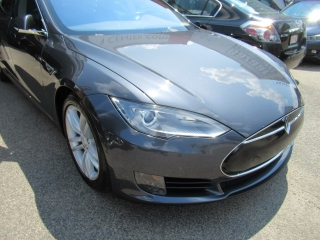2015 Tesla 75 front end auto body repair completed