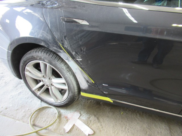 2015 Tesla 75 side body damage repair