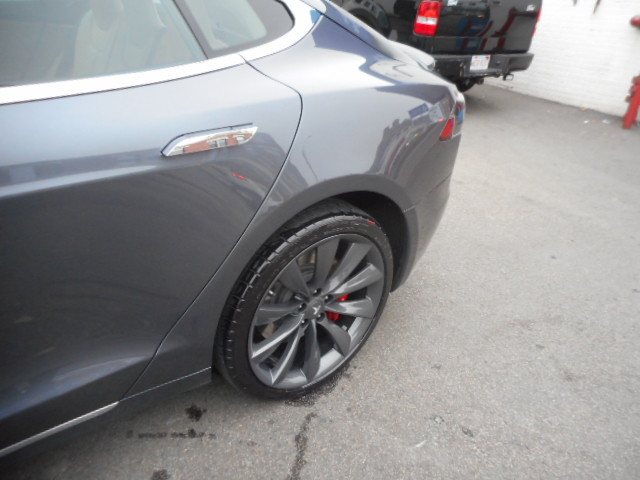 2017 tesla 100s side body damage repaired