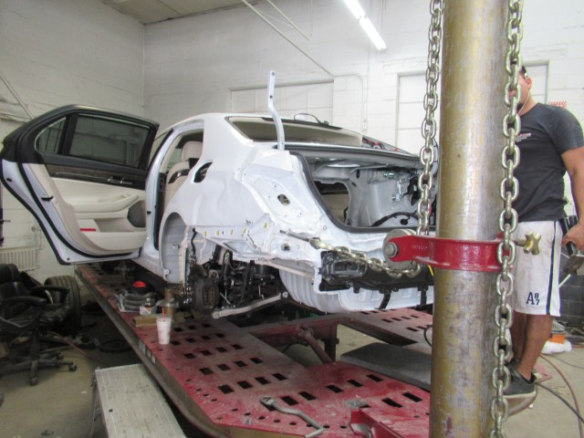 hyundai genesis g90 during auto body repairs