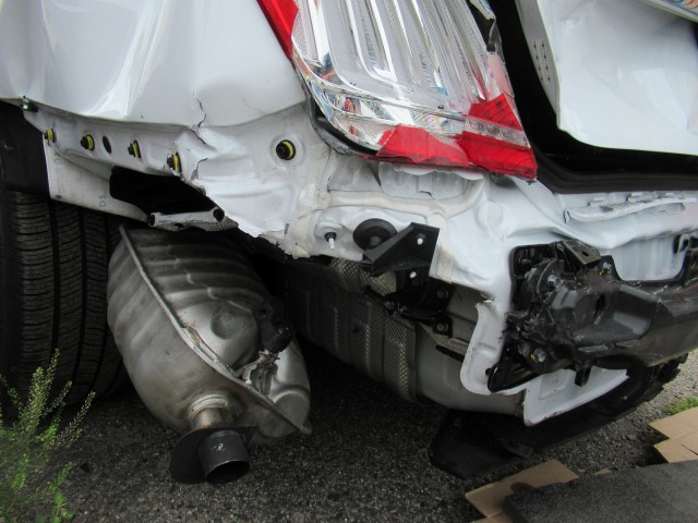 hyundai genesis g90 rear end collision damage